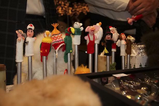 Schwimmender Weihnachtsmarkt 2011