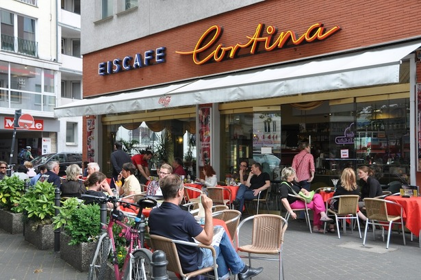 Eiscafé Cortina am Zülpicher Platz