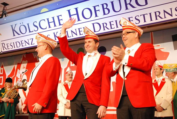 Kölner Dreigestirn erstürmt Hofburg