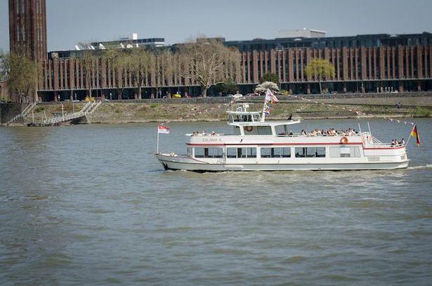 Große Hafenrundfahrt mit der MS RheinCargo