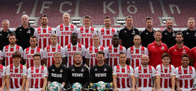 1. FC Köln, Mannschaftsfoto 2017/2018; Spieler, Trainer, Betreuer