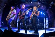 Metallica-2017-by-Ross-Halfin_1200.jpg