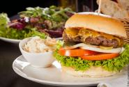 burger_hamburger-salat_imago61184895_juniart_600.jpg