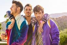 1200_2020---Jonas-Brothers-Pressshot_LN.jpg