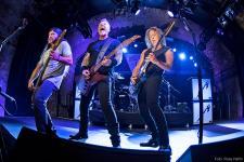 Metallica-2017-by-Ross-Halfin_1200.jpg