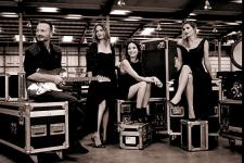 The_Corrs_Press_Picture_2015_credit_Westenberg_600.jpg