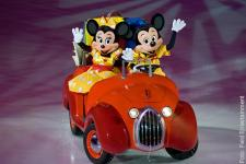 mickey-minnie_feld-entertainment_disney_600.jpg