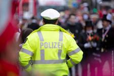 polizei-karneval_imago89794383_noah-wedel_1200.jpg
