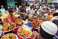 street-food_dhaka_imago64905698_zuma-press_225.jpg