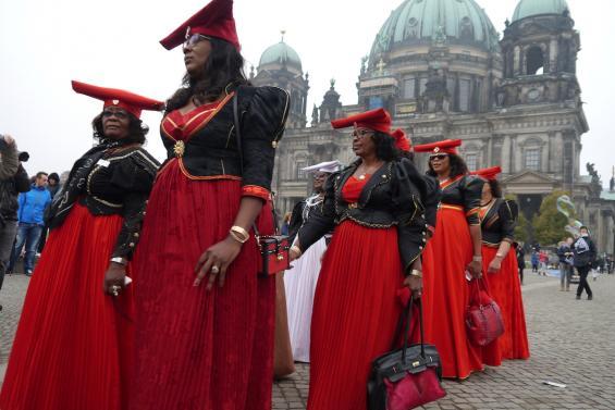 OvaHerero und Nama Aktivistinnen protestierten schon mehrfach in Deutschland für eine Wiedergutmachung. Foto: © Joachim Zeller CC BY-ND 2.0