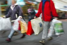 Verkaufsoffener Sonntag: Die Geschäfte in Porz-Eil laden am 9. Januar zur Schnäppchenjagd ein (Foto: ddp)