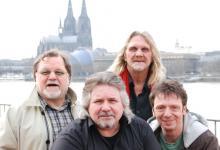 Freuen sich auf das Konzert mit Dom-Blick am 9. Mai: Klaus Lage (von links), Tommy Engel, Jürgen Fritz und Purple Schulz (Foto: Sebastian Reichert)