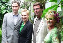 Präsentierten das Gala-Programm: Markus Danuser (von links, Vorstandsmitglied des Kölner Lesben- und Schwulentags), Bärbel Schäfer und Aidshilfe-Geschäftsführer Michael Schumacher (Foto: Sebastian Reichert)
