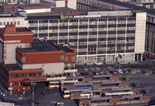 Der Fernbusbahnhof soll laut Experten vom Breslauer Platz verschwinden (Foto: bilderbuch-koeln.de)