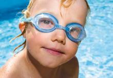 Ein Besuch im Schwimmbad steht bei Kindern hoch im Kurs. Foto: MEV.de/Christian Albert