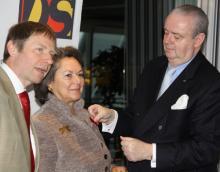 v.l.n.r: Dr. Ulrich Heide, Jeane Freifrau von Oppenheim, Ralf Bernd Assenmacher (Bild: Christian Rentrop)