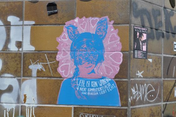 Den Sticker habe ich in der Ecke Klarastraße entdeckt.