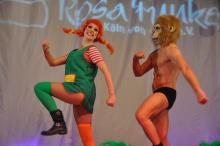 Ein buntes Bild bietet die Showformation Ragazzi mit ihrer Interpretation von Pippis Reise ins Taka-Tuka-Land. (Foto: R. Gasper)
