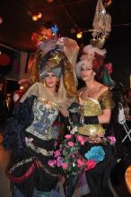 Die Kostüme des Publikums waren an Extravaganz nicht zu übertreffen. (Foto: R. Gasper)