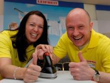 Gewinnerpaar Beugler und Tischler Jetzt freuen wir uns auf den Urlaub (Foto: Uwe Weiser)