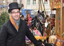 Karussellbetreiber in der 4. Generation Toni Schleifer ist Eigentümer des über 130 Jahre alten Karussells auf dem Altermarkt (Foto: Christian Rentrop)