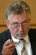 Polizeipräsident der Stadt Köln Klaus Steffenhagen: Seine Vision von Köln als sicherste Stadtregion 2010 ist gescheitert. (Archivfoto: dapd)