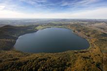 Laacher See in der Vulkaneifel (Foto: Imago/Hans Blossey)