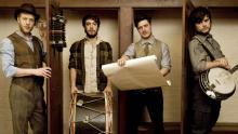 Mumford & Sons: Mit ihrem Debüt landeten sie auf Platz 1 der australischen Albumcharts. (Foto: Rebecca Miller)