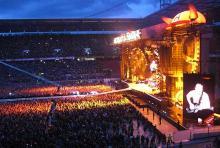 AC/DC im Kölner Rheinenergie-Stadion: 40.000 begeisterte Fans feierten ihre Helden.