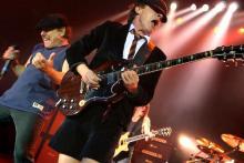 Brian Johnson (li.) und Angus Young: Beide verhelfen AC/DC zu ihrem unnachahmlichen Sound. (Foto: ddp)