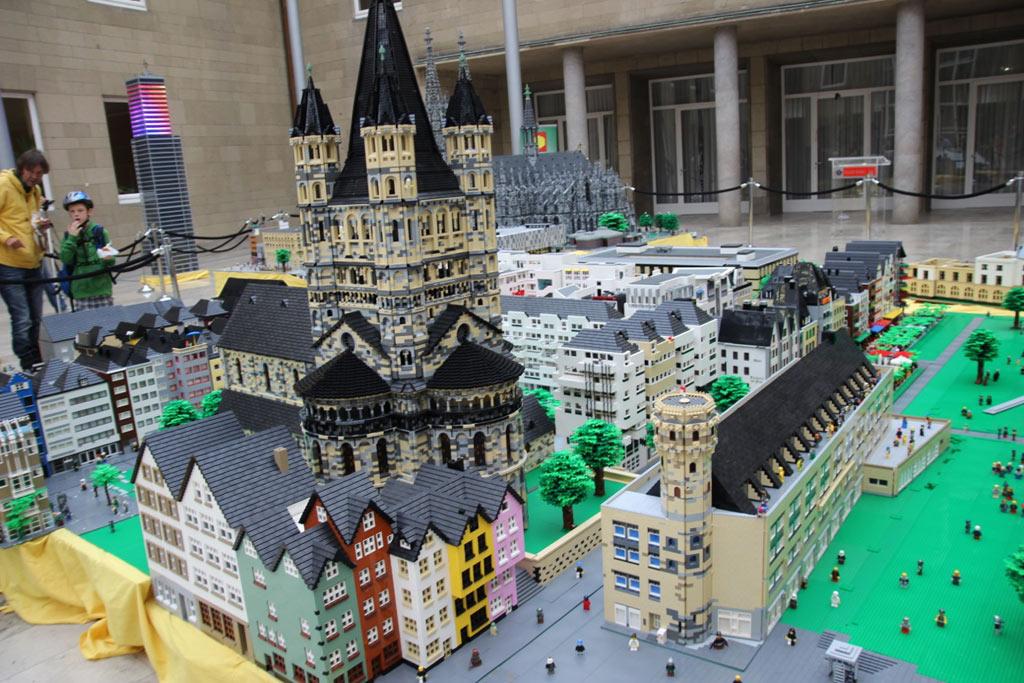 Kölner Altstadt Und Dom Aus Lego Im Rathaus Koelnde