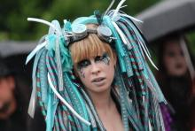 Ein Styling, das Zeit braucht: Besucherin des Amphi Festivals 2010. (Foto: Helmut Löwe)