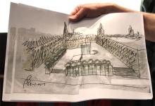 So stellt sich Architekt Peter Busmann die künftige Gestaltung des Rathausplatzes mit der unterirdischen Archäologischen Zone vor. Foto: Jürgen Schön