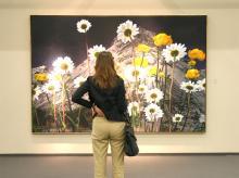 Stolze 3 x 2 Meter misst das Landschaftsbild von Karin Kneffel. Und kostet 145.000 Euro. Foto: Jürgen Schön