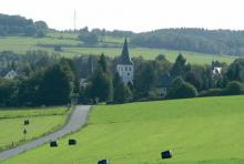 Leuscheid: Ein Dorf und ein Höhenzug haben den gleichen Namen. (Foto: Fritz Schnell)
