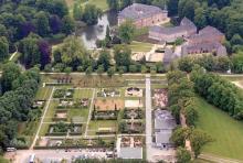 Schloss Dyck: Wasserschloss mit fast 1000-jähriger Geschichte. (Foto: Wirtschaftsförderungsgesellschaft Rhein-Kreis Neuss mbH)
