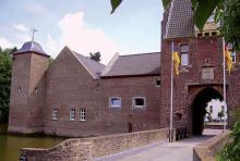 Burg Heimerzheim: Eine Wasserburganlage aus dem 13. Jhd. (Foto: Norbert Schmidt)