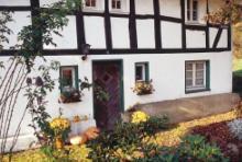 Fachwerkhaus in Durhaus: Hofstatt mitten im bergischen Land. (Foto: Michael Bengel)