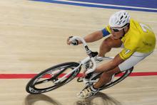 Bahn-Weltmeister und Olympiasieger Olaf Pollack während des Sechstagerennens. (Foto: dapd)