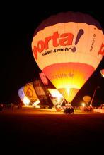 Das romantische Ballonglühen lässt Gänsehaut-Feeling aufkommen (Bild: Veranstalter)