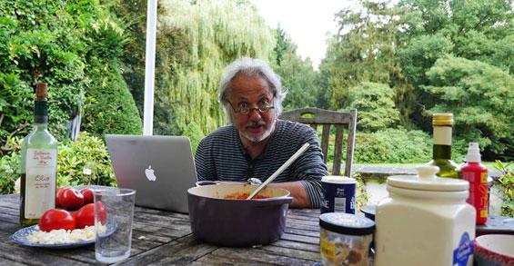 Konrad Beikircher (das Foto stammt von seiner Facebook-Fanpage)