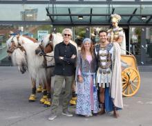 Ben Hur Live in der Lanxess-Arena : v.l.n.r.: Steward Copeland, Jantien Euwe (Esther), Sebastian Thrun (Ben Hur) (Foto: Christian Rentrop)
