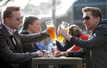 Von Freitag bis Sonntag können auf der Kölner Bierbörse im Mediapark über 500 Biersorten getestet werden. (Symbolfoto: dapd)