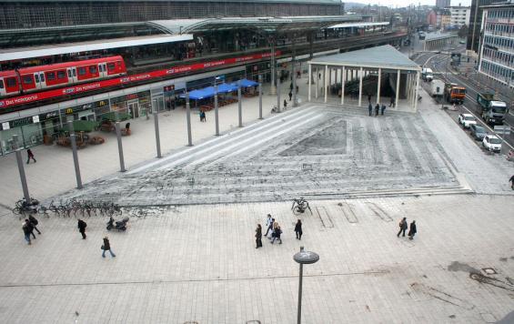 Ein Blick auf den neu gestalteten Brelauer Platz. Foto: Jürgen Schön.