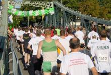 """Nicht über sieben, sondern über vier Brücken muss man """"gehen"""": der Kölner Brückenlauf im September."""