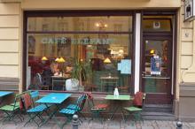 Designstudentin Tina empfiehlt das Café Elefant (Foto: We are Cologne)