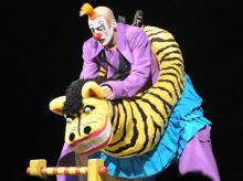"""Der Clown sorgt manches Mal für """"Alegria"""". (Foto: Helmut Löwe)"""