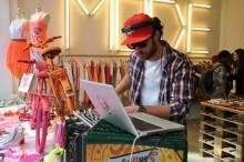 Bei der Chic Belgique kann man nicht nur shoppen, sondern auch Mini-Konzerten lauschen. (Foto: Viola Niedenhoff)