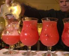 Cocktails gibt es auf der Party danach.