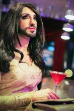 Die Dame von Welt schwört auf Cosmopolitan Foto: Hardt